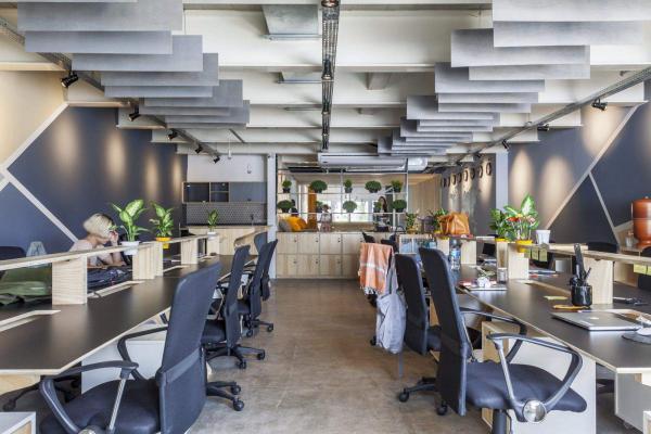 南宁办公室装修时选择合适的装修公司才是装修设计关键