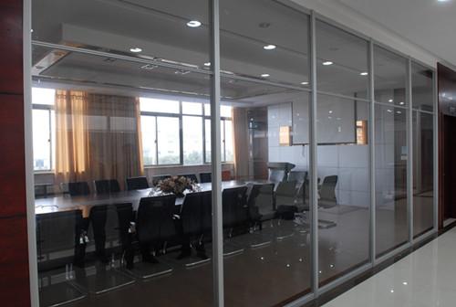 办公室玻璃门安装注意事项 办公室玻璃门的选购