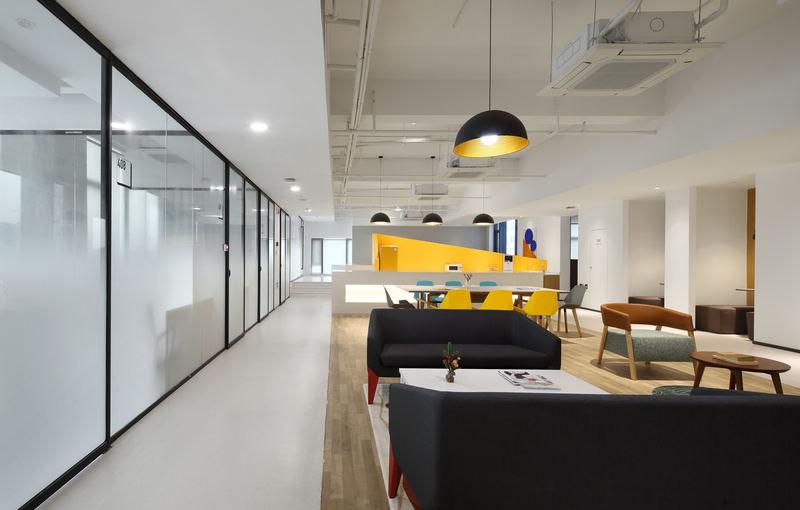 120平米办公室装修效果图