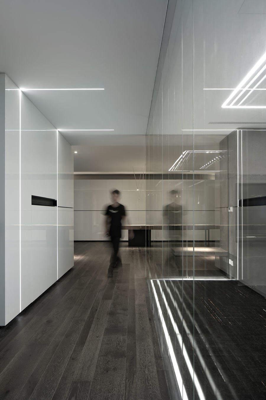 155平米的办公室装修效果图