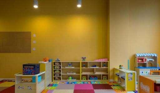 简单大气的幼儿园外墙造型图片